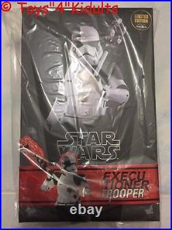 Hot Toys MMS 428 Star Wars Last Jedi Executioner Trooper Stormtrooper (Toysrus)