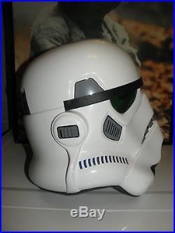 STAR WARS Stormtrooper EFX 1.1 Helmet & E-11 HyperFirm Blaster with12 Autographs +